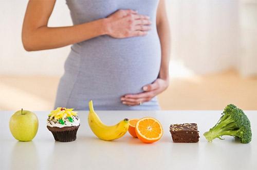 Thiếu vitamin C khi mang thai con dễ bị tổn thương não