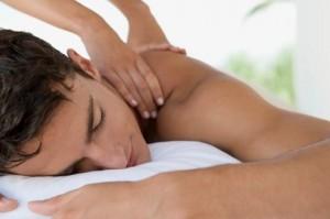 Xoa bóp bấm huyệt chữa đau cổ gáy
